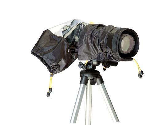 雨天少换镜头并使用防水摄影包