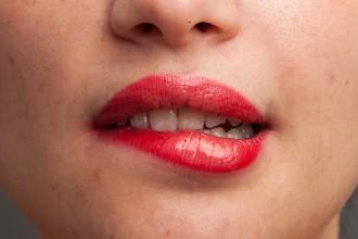 美女红唇特写RAW图片免费下载